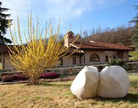 Escultura Epiclese-Invocação, B. Martinazzi, durante a primavera