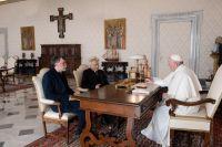 """Leggi tutto: """"Il Papa è accanto a ciascuno di voi"""""""
