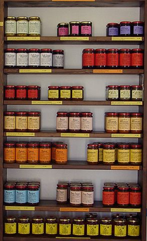 L'esposizione delle confetture e specialità a Ostuni